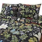 Спално бельо - Черно с цветя