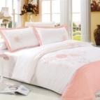 Луксозен спален комплект с бродерия - LUZAN PINK